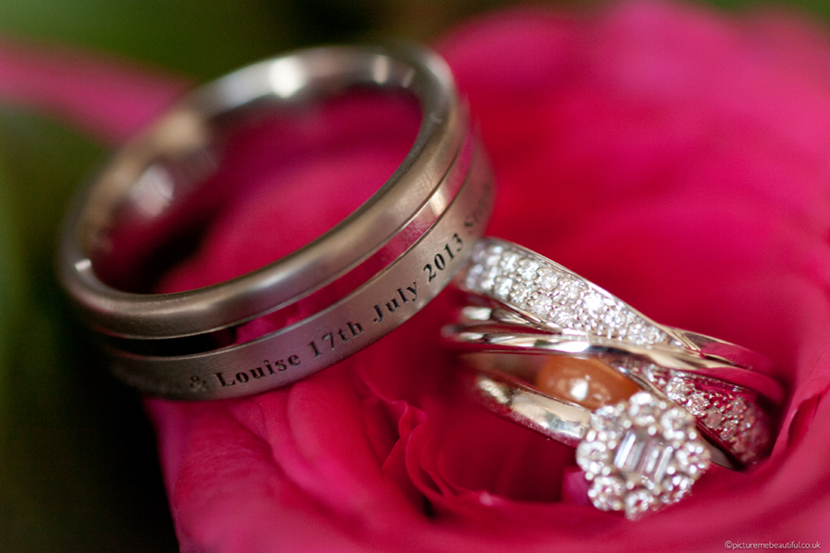 wedding rings by picture me beautiful photography uk