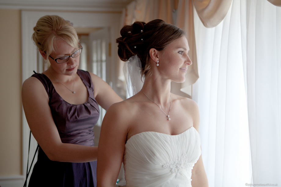 getting-the-bride-ready-by-picture-me-beautiful-photography-uk