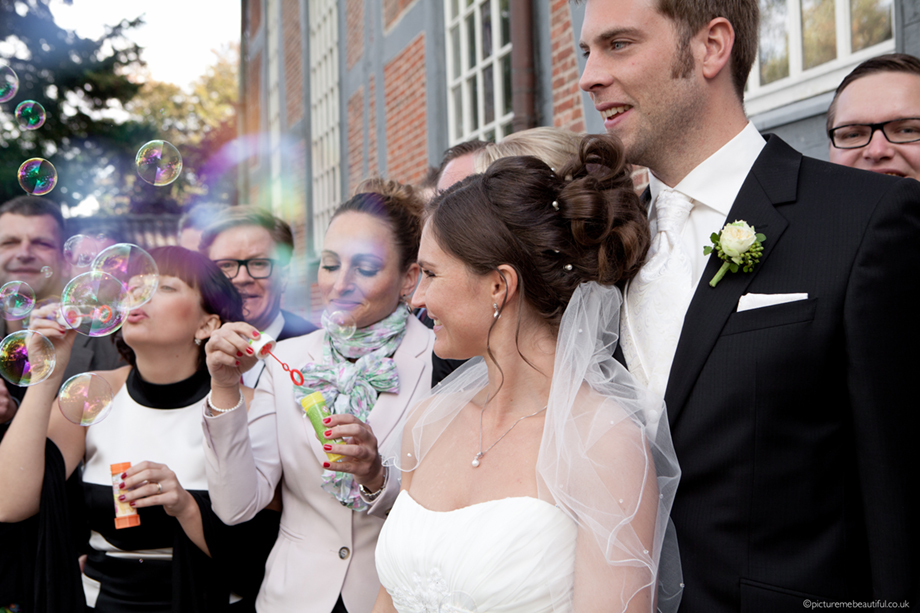 wedding-day-bubbles-by-picture-me-beautiful-photography-uk-