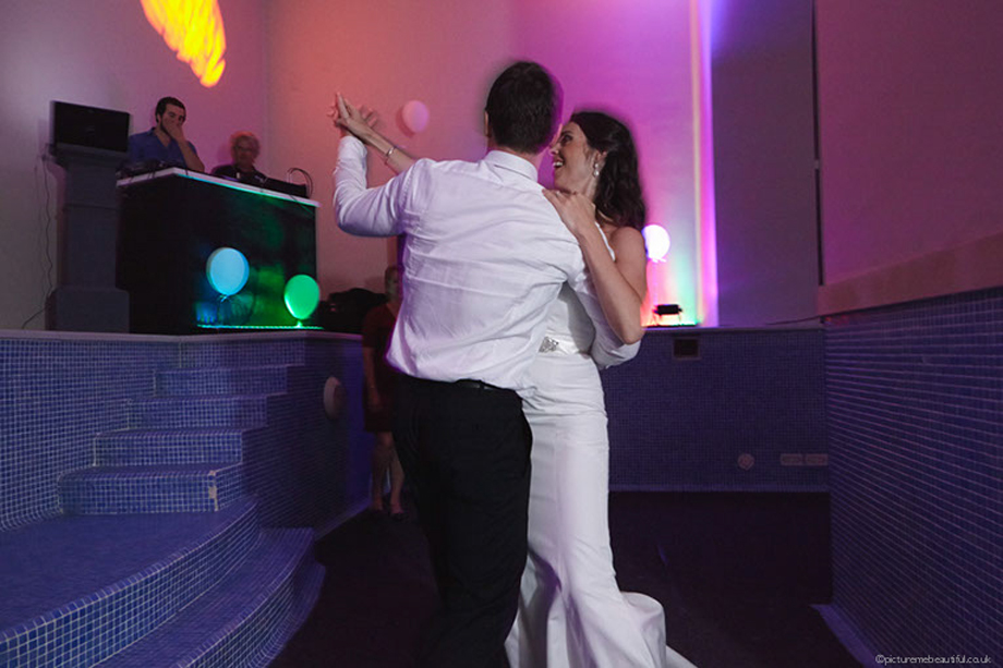 dancing-couple-by-picture-me-beautiful-wedding-photography