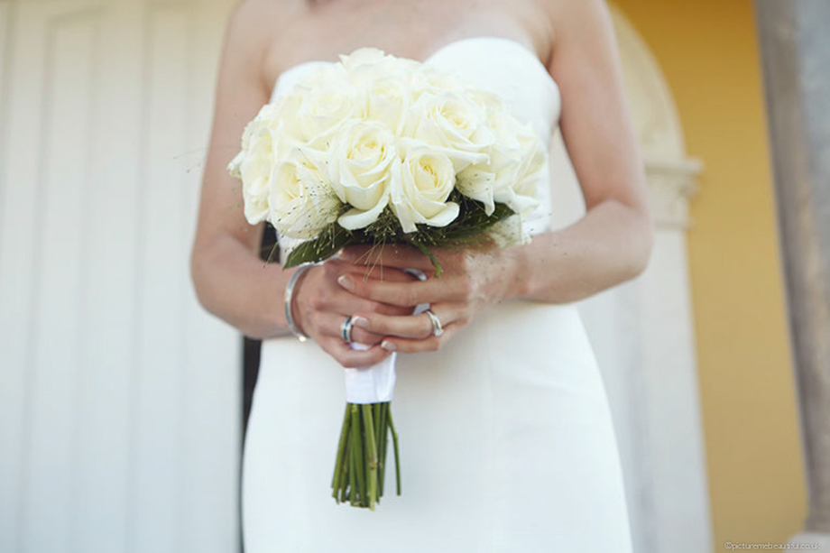 wedding-bouquet-by-picture-me-beautiful-photography