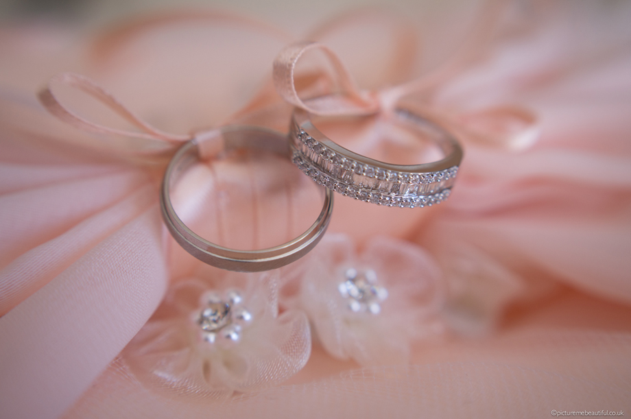 wedding-rings-by-picture-me-beautiful-photography-uk