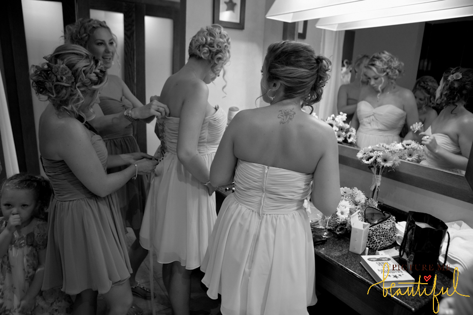 bridesmaids-by-Picture-Me-Beautiful-Wedding-Photography