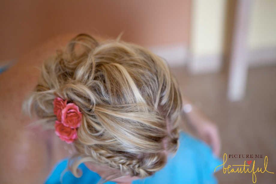 bridesmaids-floral-hair-by-Picture-Me-Beautiful-Wedding-Photograph