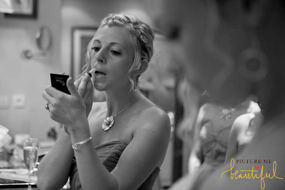 bridesmaids-with-lipstick-by-Picture-Me-Beautiful-Wedding-Photography